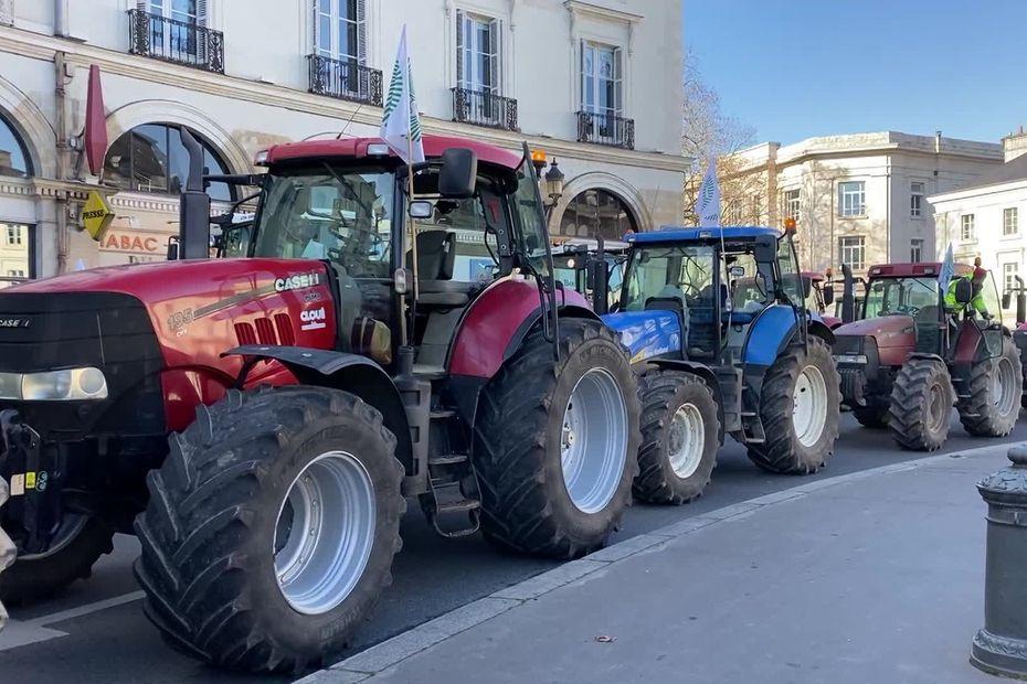 Tours : les agriculteurs dans la rue contre les contraintes administratives