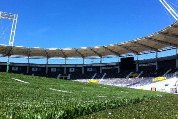 Une pente trop importante au Stadium de Toulouse pour les matches de rugby