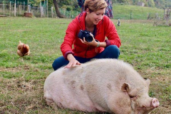 De passage à Clermont-Ferrand le 23 février, Charlotte Arnal parcourt 2500 kilomètres pour rallier Paris depuis Montpellier pour militer en faveur des droits des animaux.