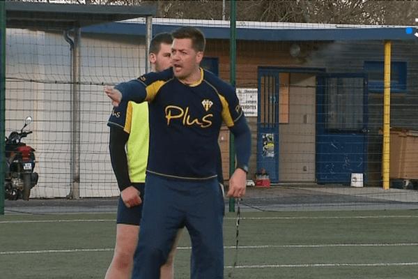 Coenie Basson est désormais en charge de la défense, à l'USON Nevers Rugby