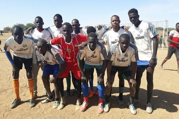 Les joueurs sénégalais, vêtus des maillots de l'As Furiani-Agliani