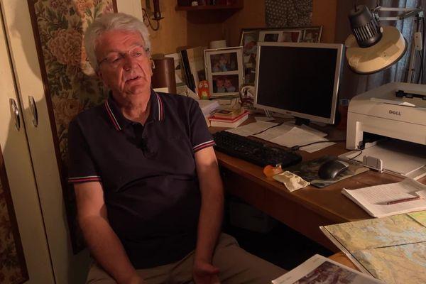 Jean-Guy Soumy en Creuse dans son bureau