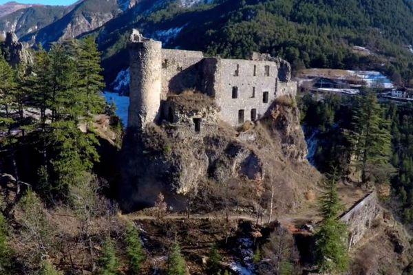 Le Château de Guillaumes dans les Alpes-Maritimes