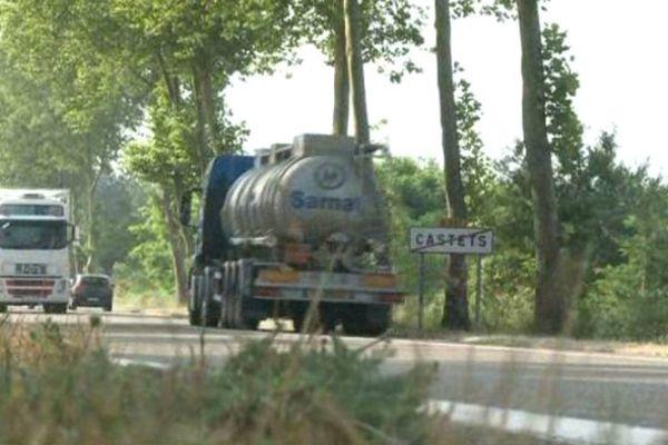 Pour éviter les péages, les camions ont envahi les routes départementales dans les Landes.