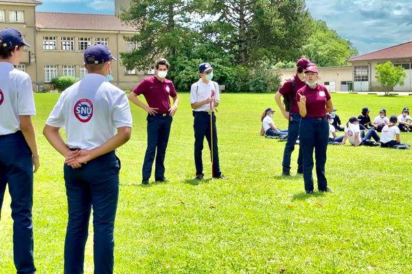 Les jeunes du SNU (Service National universel) en pleine activité découverte au lycée des Vaseix (87).