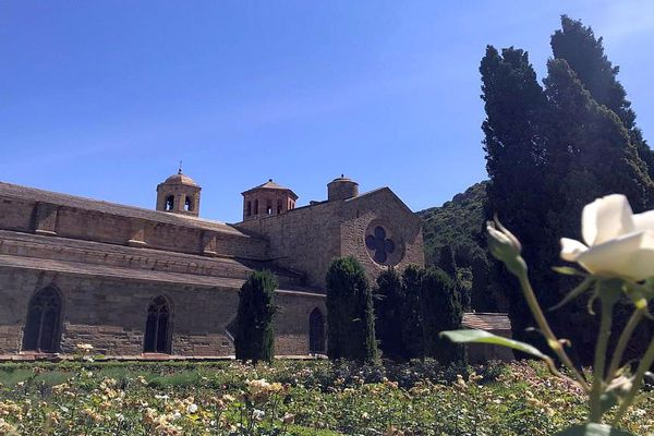 Narbonne (Aude) - l'Abbaye cistercienne de Fontfroide - mai 2020.