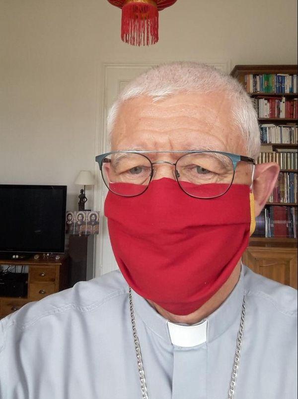 Monseigneur Ravel veut remercier les sœurs de toutes les congrégations d'Alsace qui confectionnent des milliers de masques pour les plus fragiles