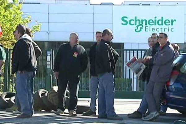 Les salariés de Schneider Electric avaient fait grève en aril 2011