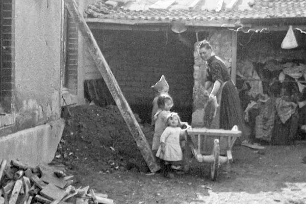 L'agriculture française ne se remettra jamais de la saignée opérée par deux guerres mondiales successives pendant lesquelles elle a perdu ses forces vives