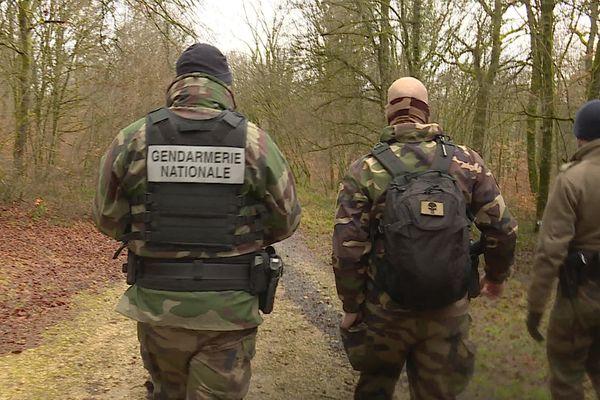<p>Des gendarmes à la recherche d'un sexagénaire disparu depuis le 25 janvier à Bethoncourt.</p>
