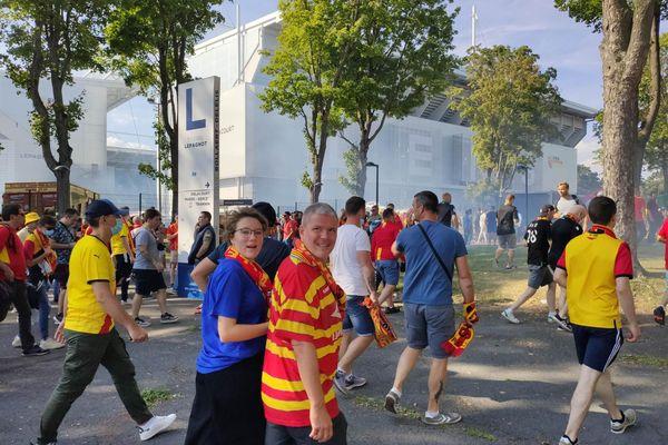 Les supporters lensois en route vers le stade Bollaert-Delelis, samedi 18 septembre 2021.