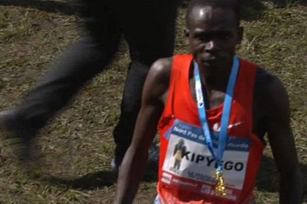 Barnabas Kipkyego remporte l'édition 2016 du marathon nordiste.