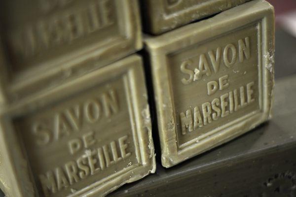 Le véritable savon de Marseille doit être estampillé.