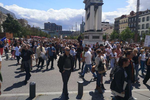 Les opposants au pass sanitaire étaient entre 3000 et 4000 à Clermont-Ferrand.