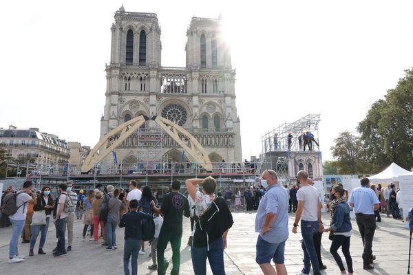 Le parvis de la cathédrale Notre-Dame de Paris le 19 septembre 2021, à l'occasion des journées européennes du patrimoine (illustration).