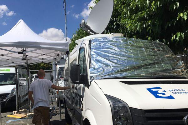 Le véhicule de transmission et régie mobile