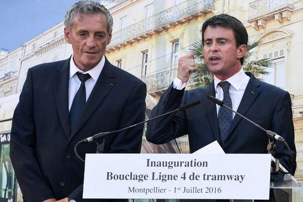 Philippe Saurel, maire de Montpellier avec le Premier ministre Manuel Valls lors de l'inauguration de la ligne 4 du tramway à Montpellier - 1er juillet 2016
