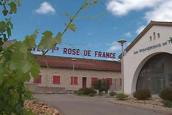 Tavel (Gard) - la cave coopérative de Tavel et de Lirac - juillet 2019.