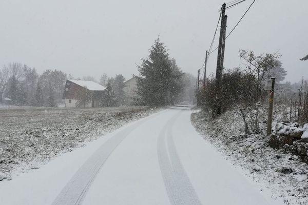 Alerte orange neige/verglas sur les routes de Lozère, ici à Camprieu