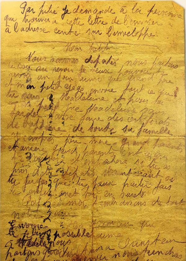La lettre d'Anna Orinstein, jetée du wagon qui la conduisait vers le camp d'Auschwitz