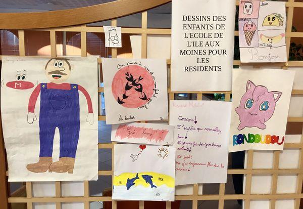 Dessins des enfants pour les résidents de l'Ehpad