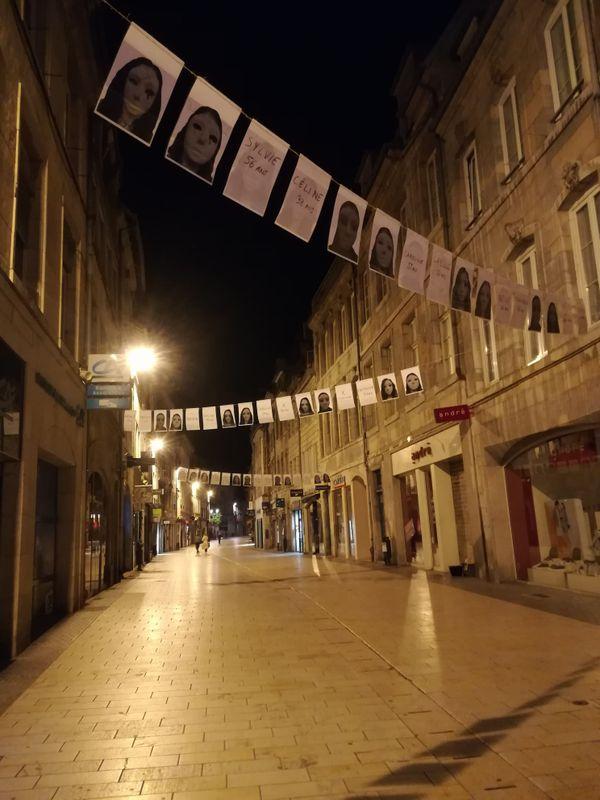 Les affiches ont été disposées durant la nuit, en centre-ville de Besançon