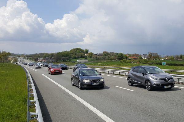 Les salariés ralentissent le trafic sur la RN 145