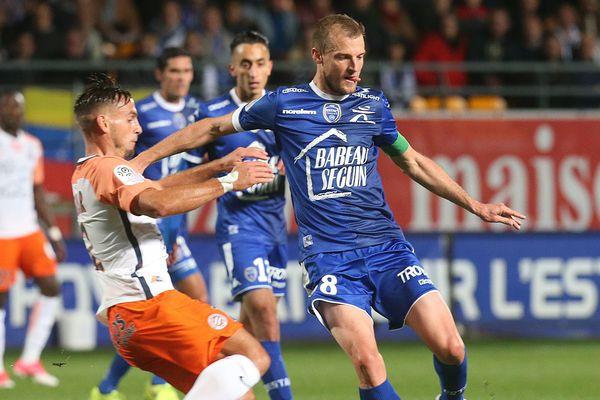 Stéphane Darbion lors du match opposant l'ESTAC à Montpellier le 16 septembre 2017. Il a permis à Troyes de s'imposer face à Amiens en 18ème journée de Ligue 1, le 16 décembre 2017.