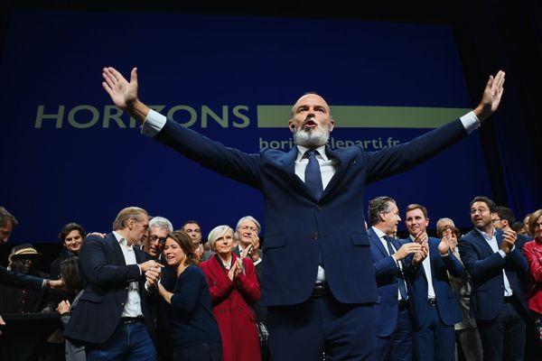 Samedi 9 octobre 2021, Edouard Philippe lance son propre parti politique au Havre.
