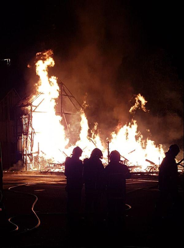 Un incendie maîtrisé par les pompiers à 1h48 du matin