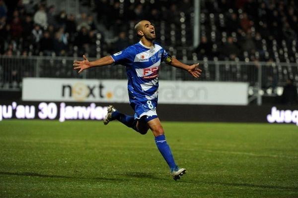 Mounir Obbadi N°8 - Estac Troyes