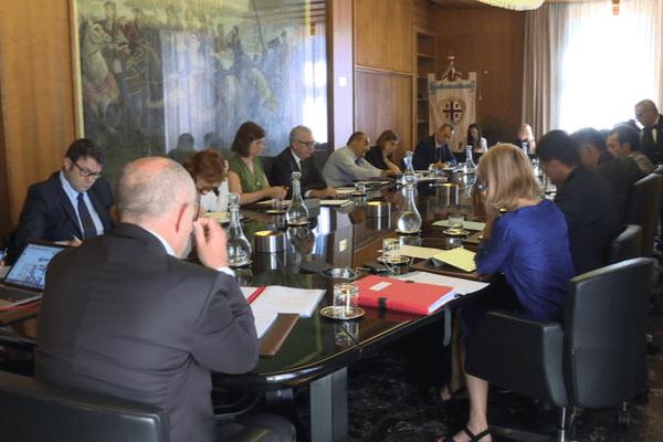 """Cagliari, le 21 juin - Rencontre du Président du Conseil Exécutif de Corse avec la Présidente de la Communauté Autonome des Iles Baléares et le Président de la Région Autonome de la Sardaigne dans le cadre du sommet du G7 """"transports""""."""