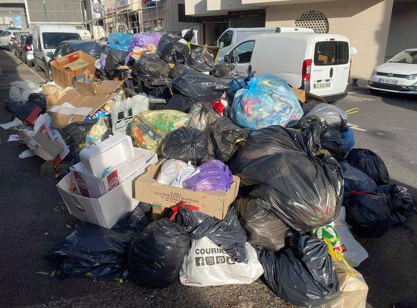 ILLUSTRATION / A Bastia, comme dans de nombreuses communes de l'île, les poubelles s'entassaient au mois de décembre dernier autour des bacs pleins à craquer