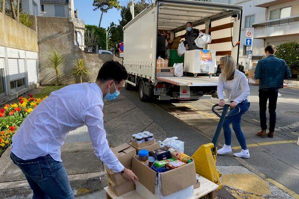 Plusieurs points de collecte ont permis de réunir plus de 4000 produits alimentaires ou d'hygiène. Ils ont été acheminés vers le pôle universitaire de Saint-Nazaire.