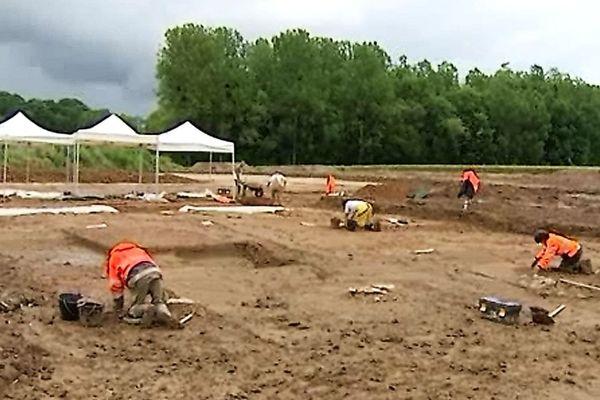 A Broin (Côte-d'Or) , un chantier archéologique a mis au jour un four à tuiles gallo-romain de grande ampleur