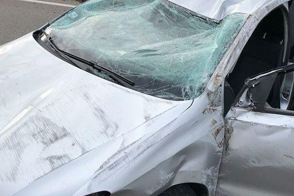 La voiture d'Arthur,  fils de Patricia Zédet est totalement détruite, heureusement Arthur n'est que légèrement blessé