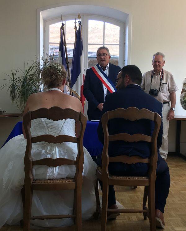 Le maire de Damigny, Pascal Devienne, a eu le bonheur de marier ses trois filles
