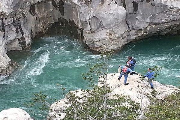 Les plongeurs de la gendarmerie lors des recherches au pont du Diable - archives