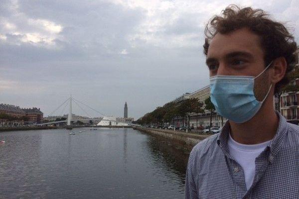 Le port du masque est obligatoire dans plusieurs zones du centre-ville et de la plage du Havre le 14 août 2020.