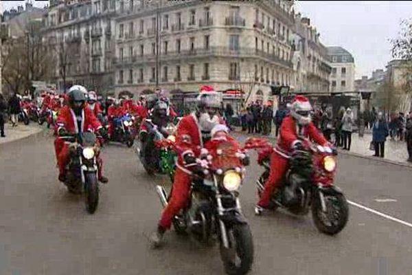 Les Pères Motards paradent dans les rues de Dijon