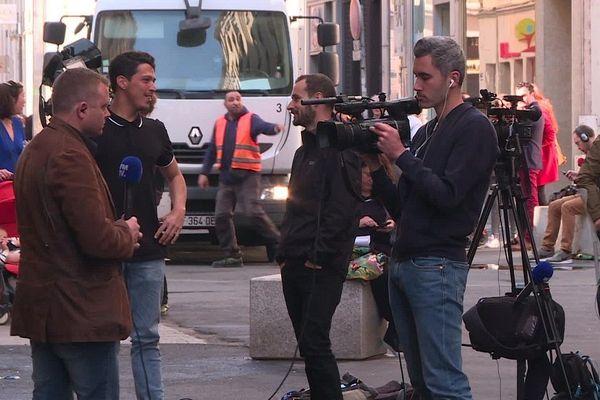 Au lendemain de l'explosion d'un colis rue Victor Hugo, à Lyon.
