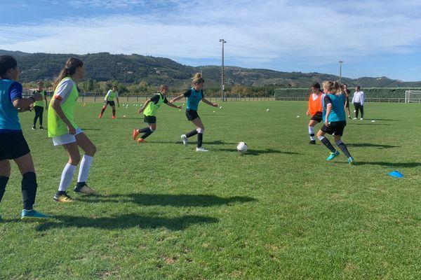 Entraînement d'une équipe 100% féminine du club Rhône-Crussol ce mercredi 11 septembre