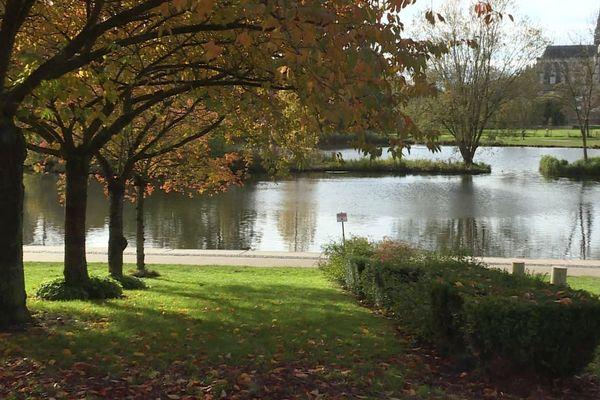 La bagarre a éclaté au parc Saint-Pierre d'Amiens en fin d'après-midi.