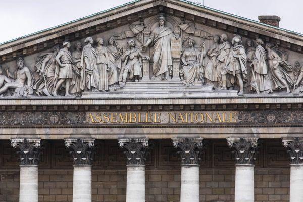 Les débats sur le prolongement de l'accès à l'IVG ont duré 8 heures au palais bourbon, à Paris, jeudi 8 octobre