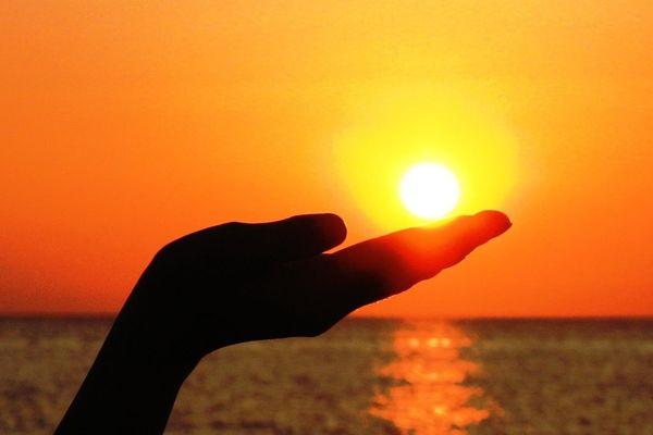 Le soleil donnera bien à ce jeudi toute sa couleur... mais aucune chaleur.