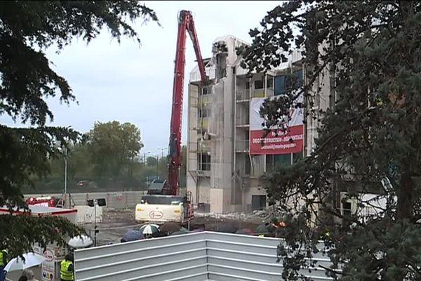 L'opération de démolition a commencé ce lundi 18 novembre.