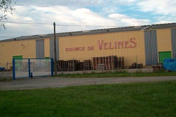 l'usine d'eau de source de Vélines -Dordogne