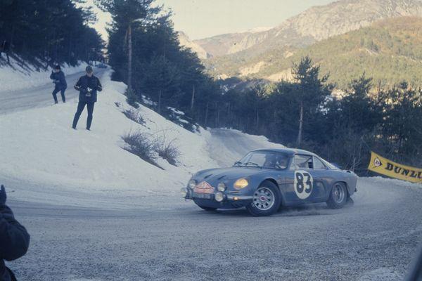 RALLYE DE MONTE CARLO - RENAULT ALPINE A110 DE ANDRUET-TODT - 1 janvier 1968.Renault Communication - Droits réservés