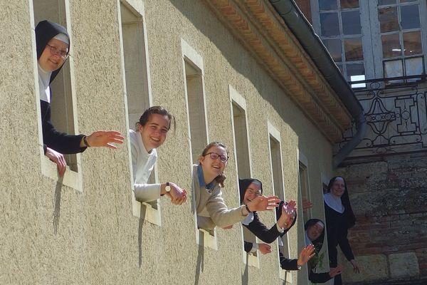 Les sœurs cisterciennes de l'abbaye de Boulaur dans le Gers en plein confinement