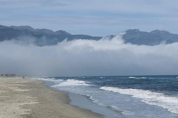La brume sur la mer.